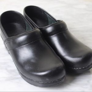 DANSKO Professional Cabrio Black Leather Clogs